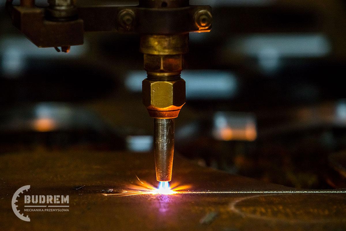 producent maszyn przemysłowych budrem